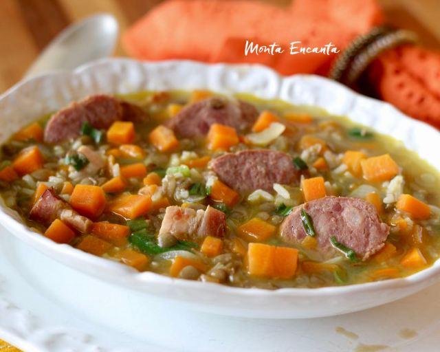sopa de arroz com lentilha