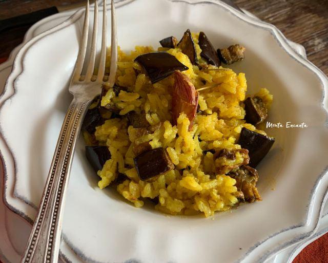 arroz com berinjela e açafrão