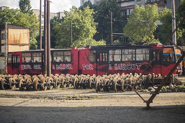 Good_Guy_Boris_Zona_Sofia_Tram-The-Grifters2
