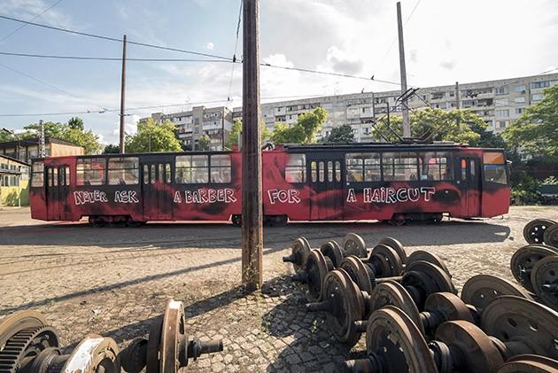 Good_Guy_Boris_Zona_Sofia_Tram-The-Grifters3