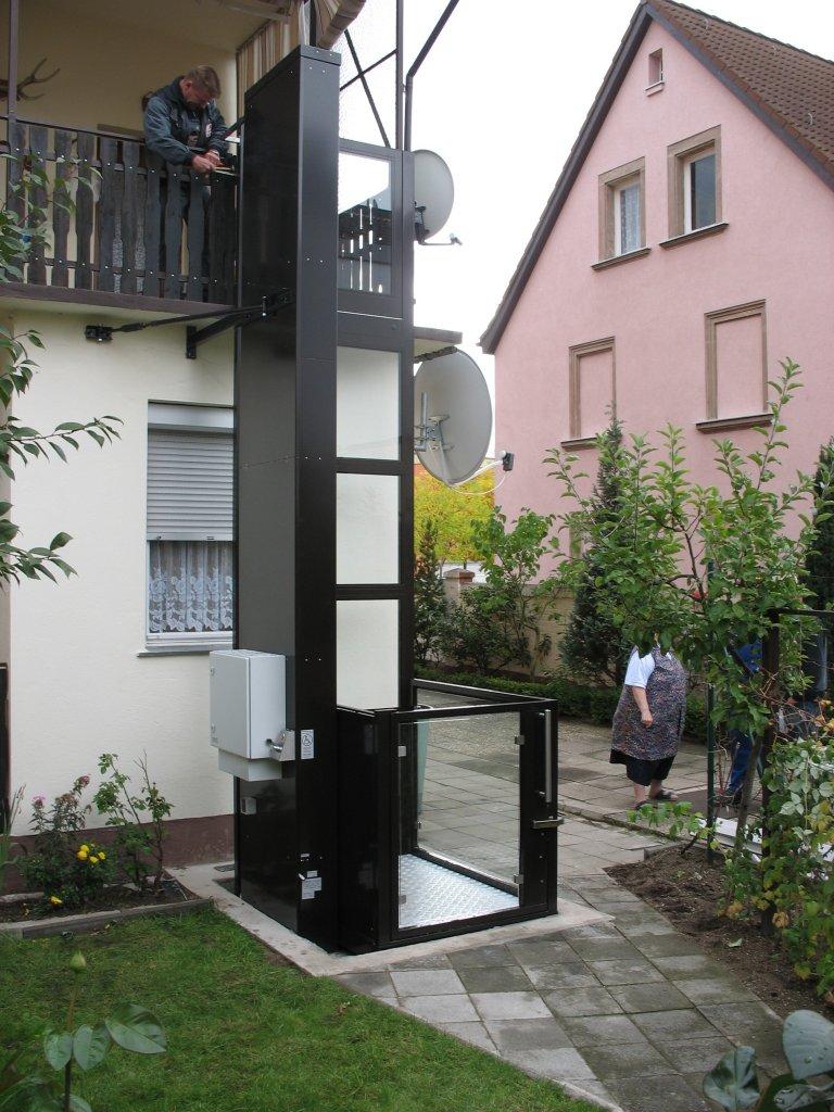 Elevatori Disabili Milano senza vano  Montascale Milano FreelyMove