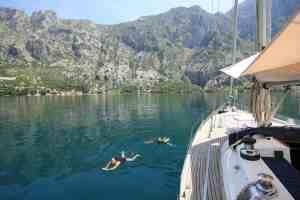 swim-yacht-monty-b
