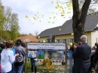 Die Ballons und ihre Wuensche steigen auf-3