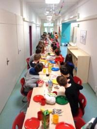Montessori Grundschule Königs Wusterhausen_Fasching vom 5. März 2019_Lange Frühstückstafel