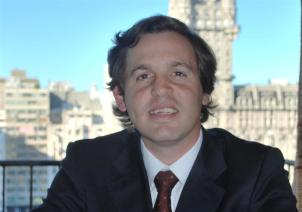 Miguel Casanova, doctor en Derecho
