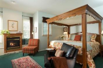 Renaissance Room at the Montford Inn, Norman Oklahoma hotel and b&b