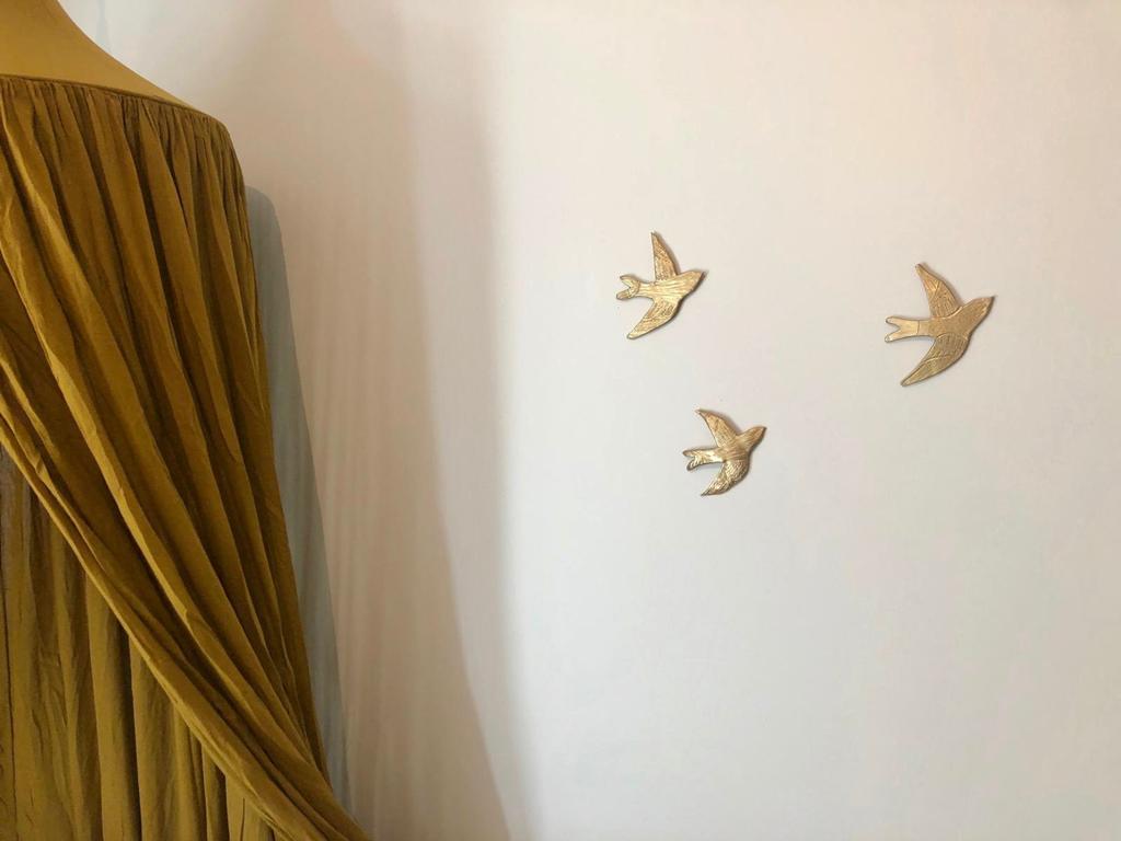 Décoration murale hirondelles dorées