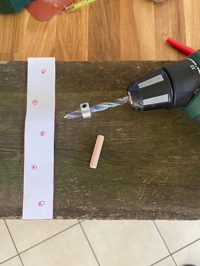 Assemblage par tourillons console en bois DIY