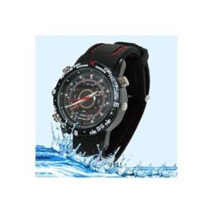 Montre waterproof de couleur noir pratique quand il pleut