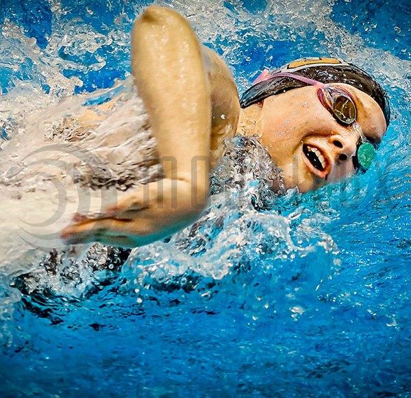 """Wearable """"Ovao"""" unterstützt Athleten beim Schwimmen Training"""