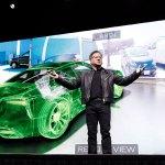 Nvidia CEO Jensen Huang zeigt Demo eines via VR-System ferngesteuerten Autos. (Foto: Nvidia)