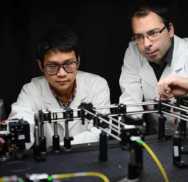 Die Datenspeicher der Zukunft arbeiten mit Laserblitzen
