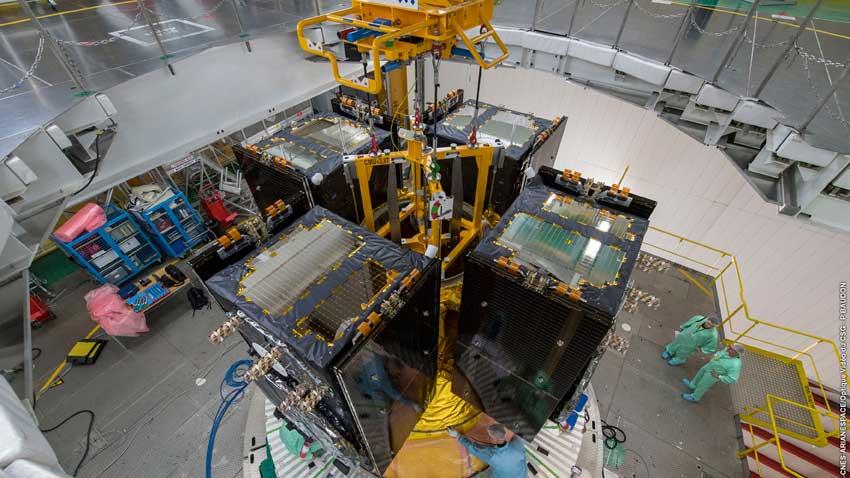 Galileo-Satelliten-Quartett auf der Ariane 5 platziert. (Bild: DLR)
