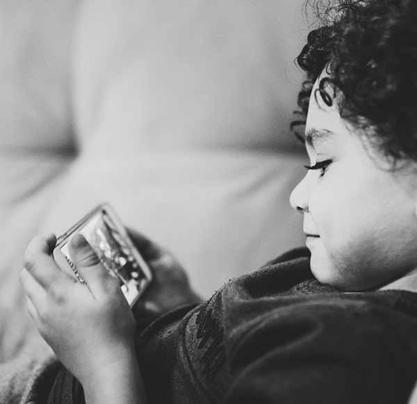 Macht die Strahlung von Smartphone & Co Jugendliche vergesslich?