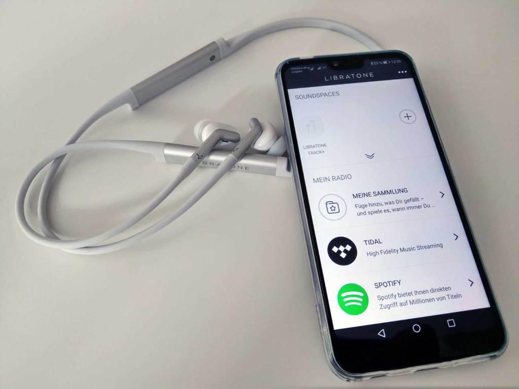 Sowohl Sennheiser Ambeo als auch der Libratone Track+ lassen sich über eine eigene App steuern. (Bild: moobilux.com / TC)