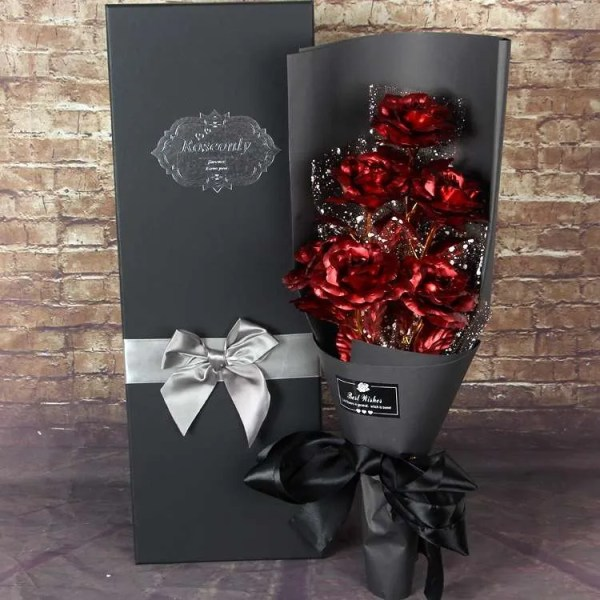 Luxurious rose gift