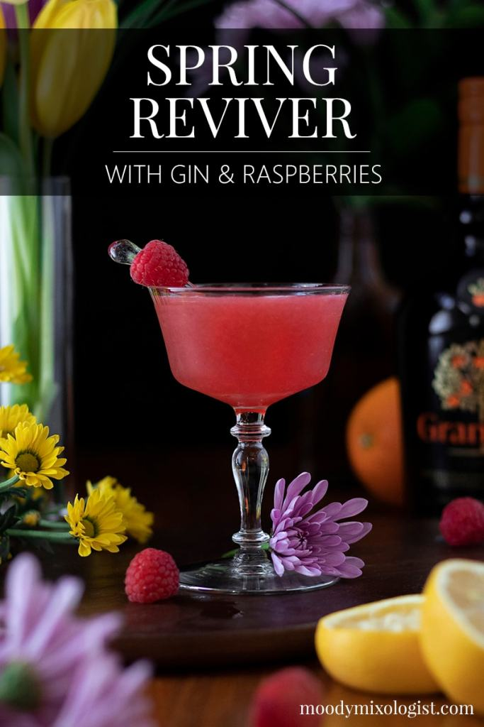 spring-reviver-cocktail-with-gin-and-raspberries-1628337