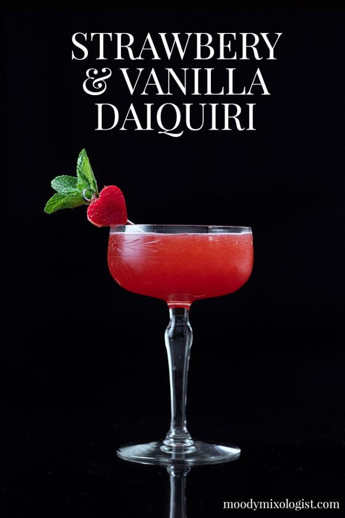 strawberry-and-vanilla-daiquiri-for-valentines-day-3283389