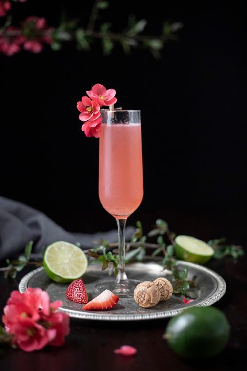 Pink 75 – A Sparkling Rosé Cocktail with Strawberries and Guava