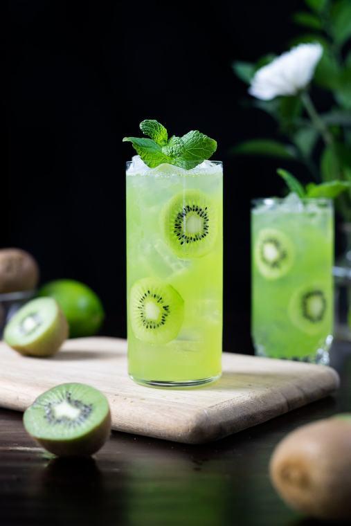 Kiwi Starfruit Refresher (Starbucks Copycat)