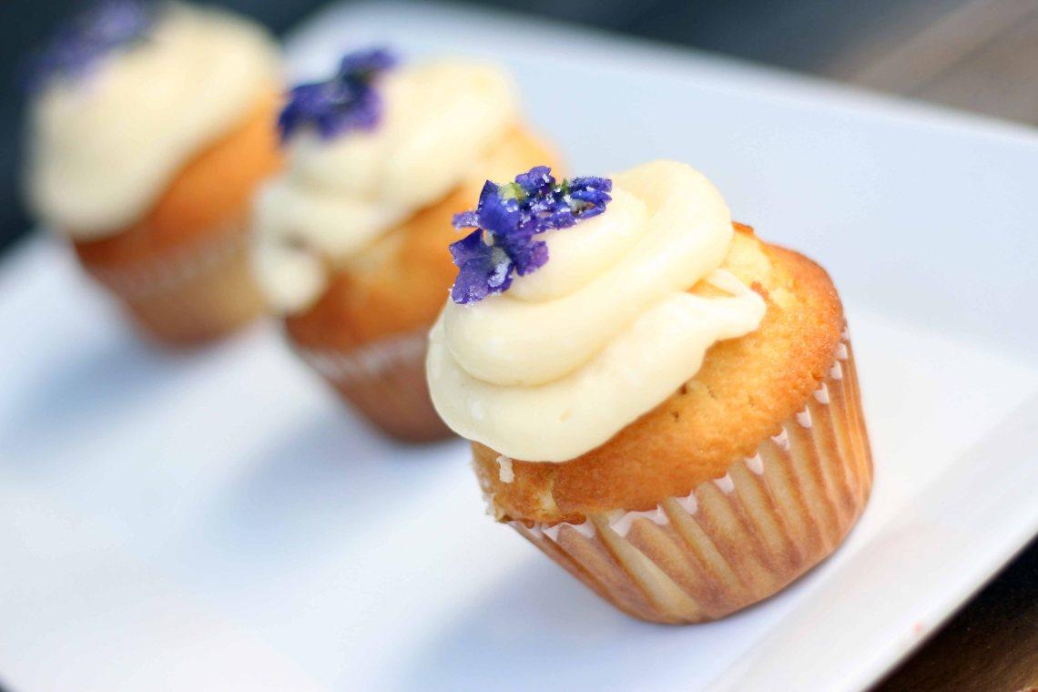 beltane cupcakes