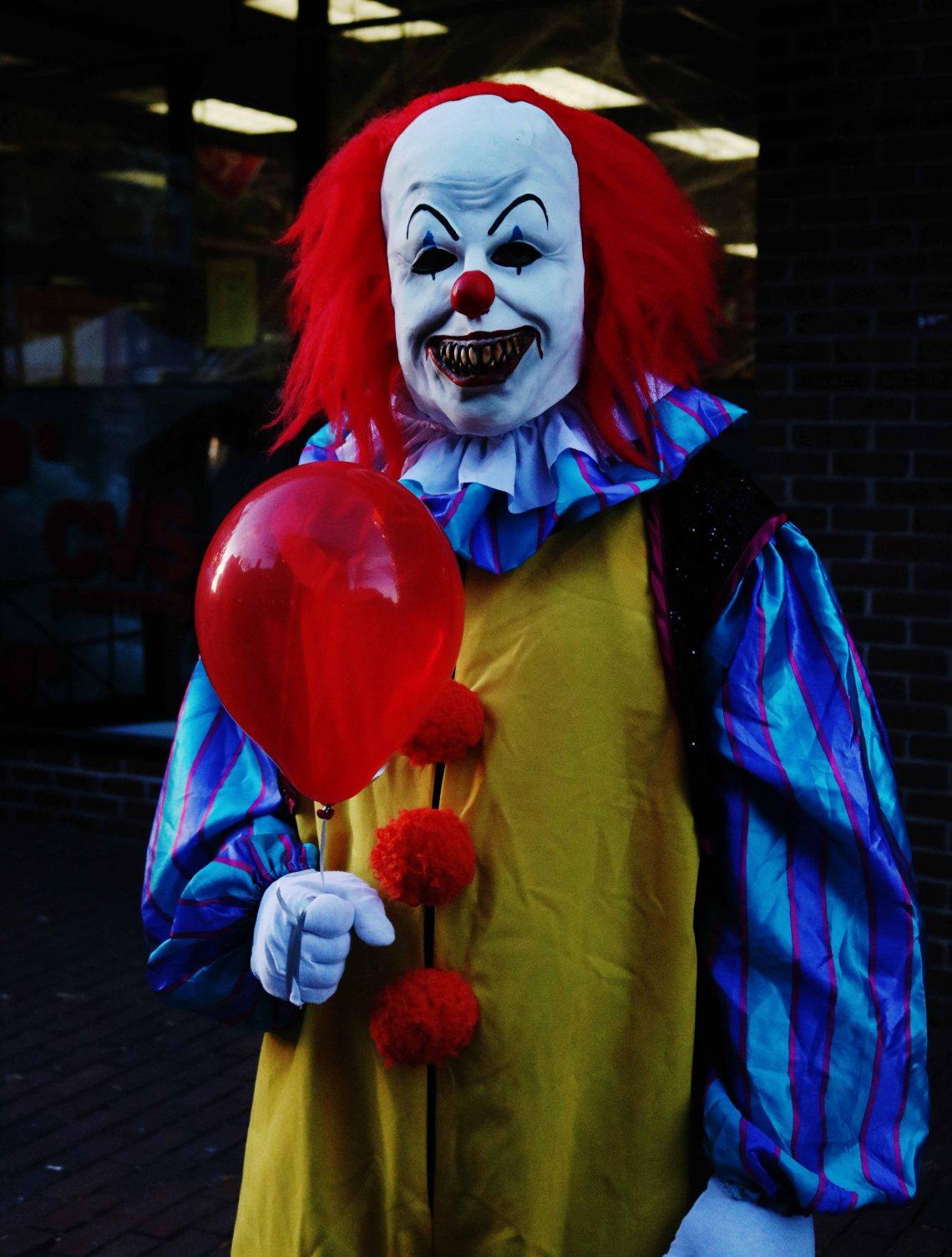 scary clown web