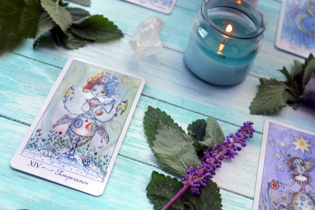Let go of stress and anxiety with this easy tarot spread for beginners. with th