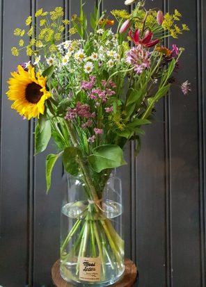 Een boeket met veldbloemen om te laten bezorgen of afhalen in Amsterdam.
