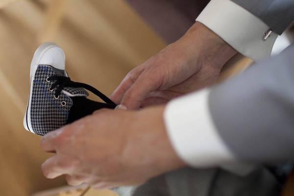 baby zoon trouwen aankleden trouwdag voorbereidingen thuis