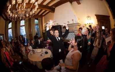 """Het mes voor de bruidstaart in de Iraanse traditie / """"Messendans"""""""