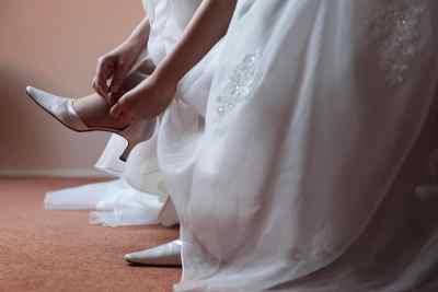 Trouwschoenen van de bruid