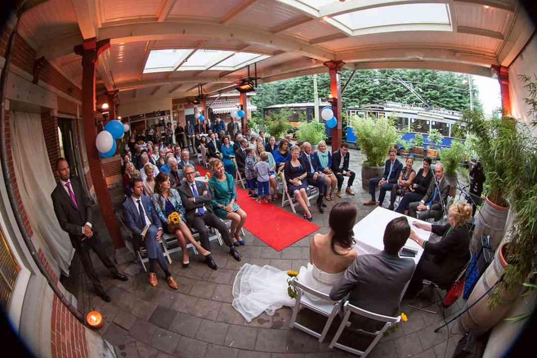Huwelijksceremonie Macy's Haarlemmermeer station Amsterdam