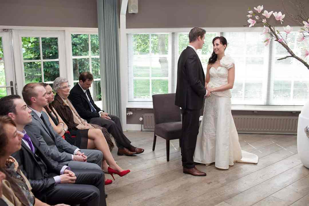 bruidsfotograaf huwelijksceremonie Alfred's Diner