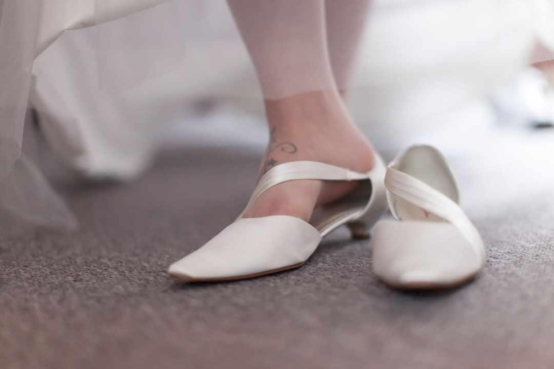 voorbereiding bruid trouwschoenen