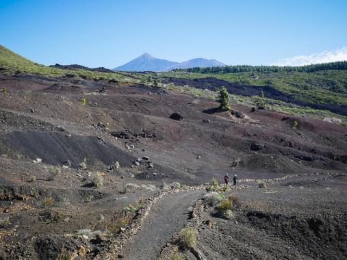 Blik op de vulkaan El Teide vanaf het wandelpad naar Las Manchas