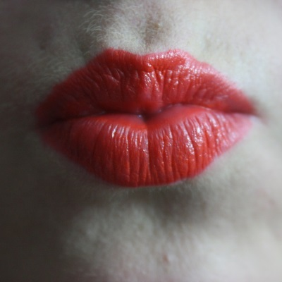 how to get big lips pouty