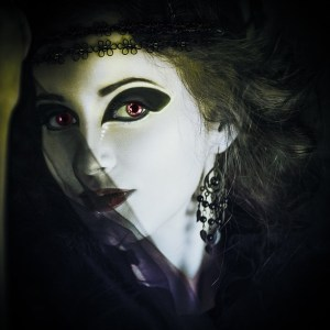 gothic eye makeup tips