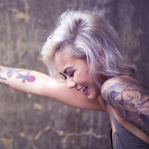 how-to-dye-black-hair-blonde