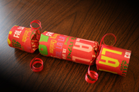 indie crafts - Make your own Christmas crackers