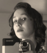 retro pin-up girl hair style