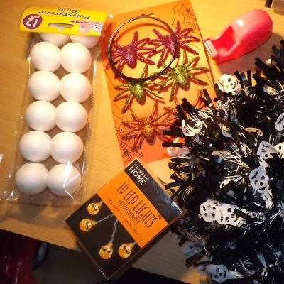diy-halloween-wreath-accessories