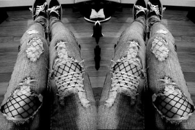 fishnet-tights-beneath-jeans