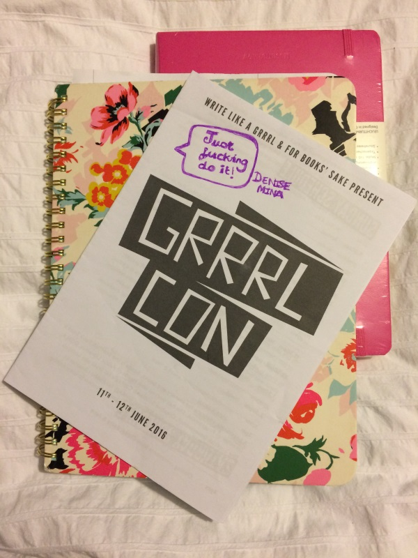 grrrl con notebook