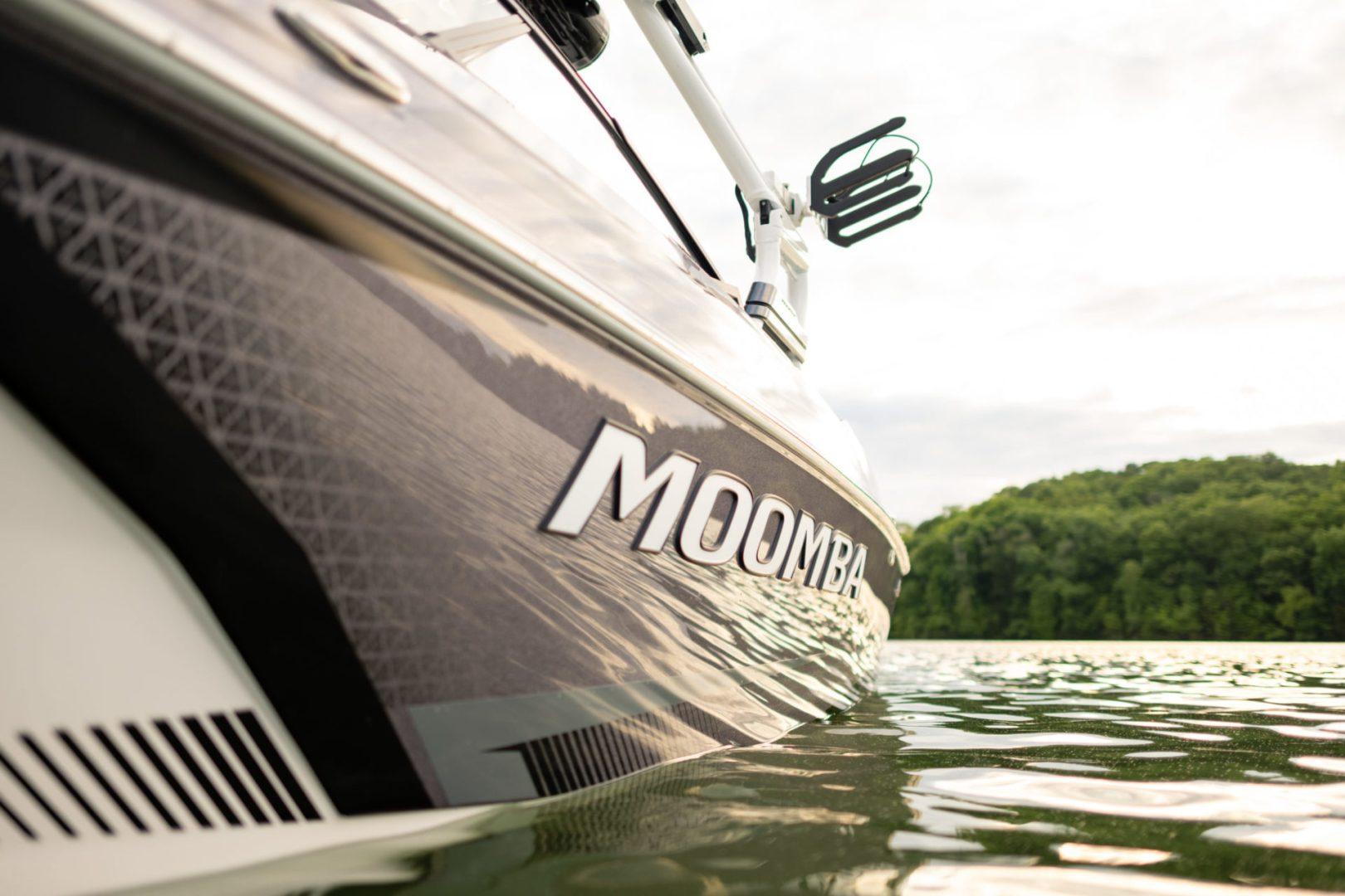 Moomba Max   2022 Wakeboats