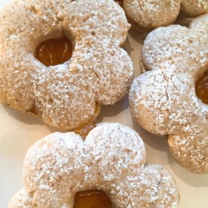 Apricot Linzer Cookie