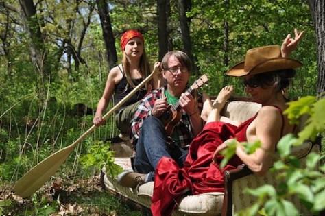 Photo of Jenny Aplin, John Gzowski and Julia Aplin provided by rockitpromo