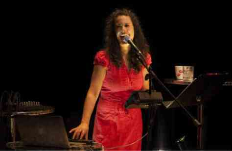 Picture of performer Anna Chatterton