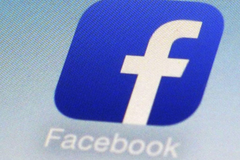 Hackers Have Retrieved access and private messages from Facebook accounts to sell them