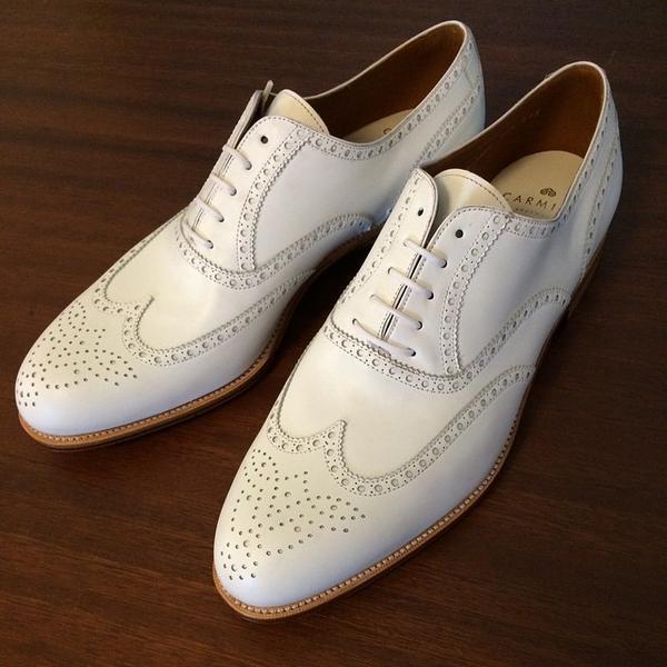 Magia a la luz de la luna: Romanticismo y esplendor de los años 20. Zapatos Oxford.