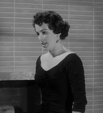El Beso Mortal (Kiss me Deadly) Robert Aldrich, 1955. Maxine Cooper, fiel y enamorada secretaria.